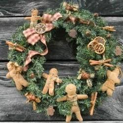 Christmas Wreath - Gingerbread Men -22 in pine wreath - hand-made gingers, dried citrus - homespun wrapped cinnamon sticks and rusty bells